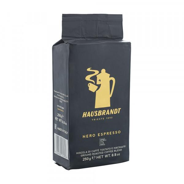 Hausbrandt Nero mlevena espresso kafa u vakuum pakovanju. 100% Arabika vrsta kafe. Namenjena za upotrebu na kućnim električnim espresso aparatima.